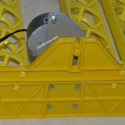 Лоток в инкубатор с мотором на 48 куриных яиц