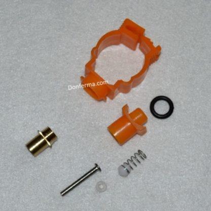 Ниппельная поилка для кроликов на трубу 25 мм