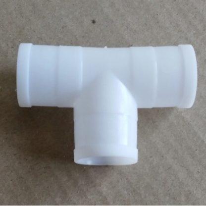 Штуцер пластиковый 1/2 - 10мм